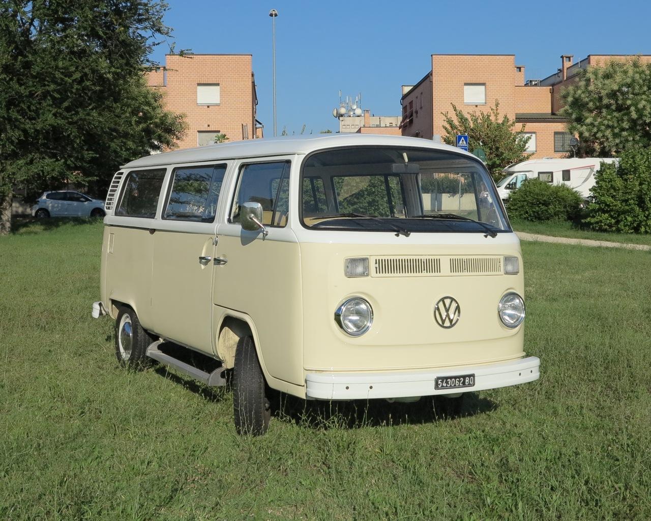 Volkswagen Transporter T2 - furgoncino hippie - vettura matrimonio - furgoncino per matrimonio