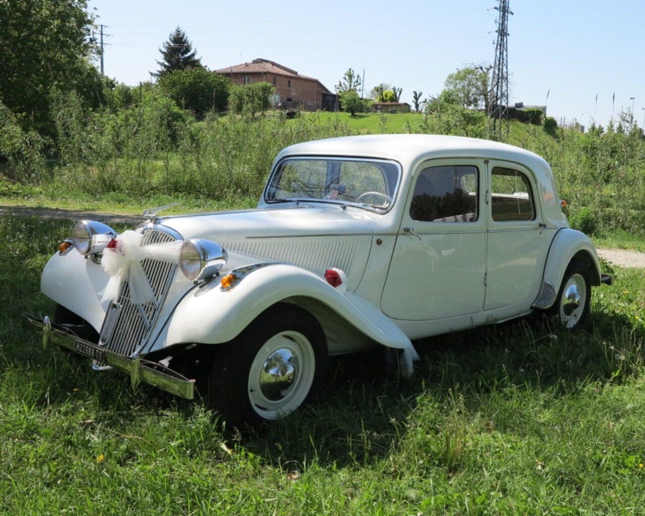 Citroen Traction Avant - vettura nuziale - vettura per matrimonio